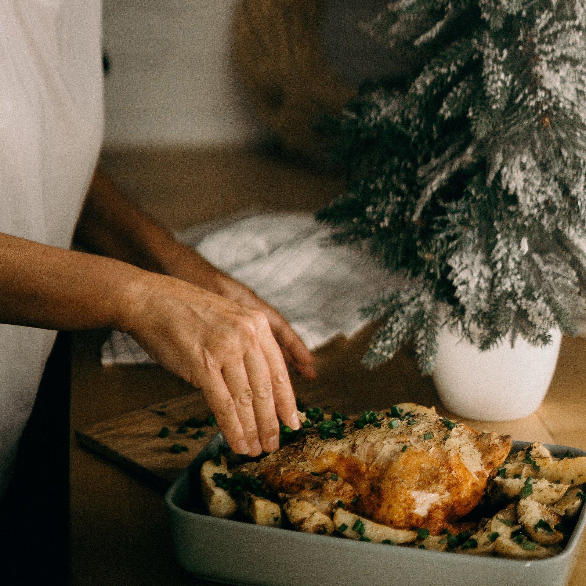 網傳迷思 聽說冷凍調理包都不太健康,是真的嗎?但我在家只會用微波爐,要怎麼吃得美味、健康又安全呢?1